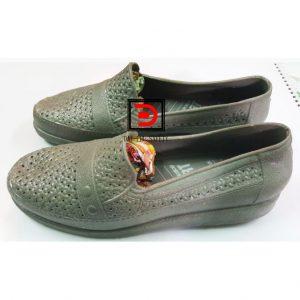 Giày nhựa nữ mà xám